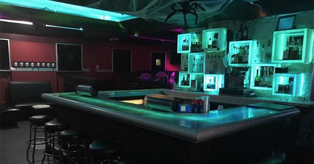 Bar 13