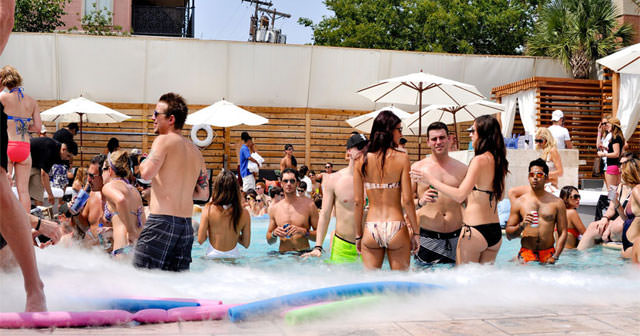 View of the interior of Sisu Dayclub after getting free guest list
