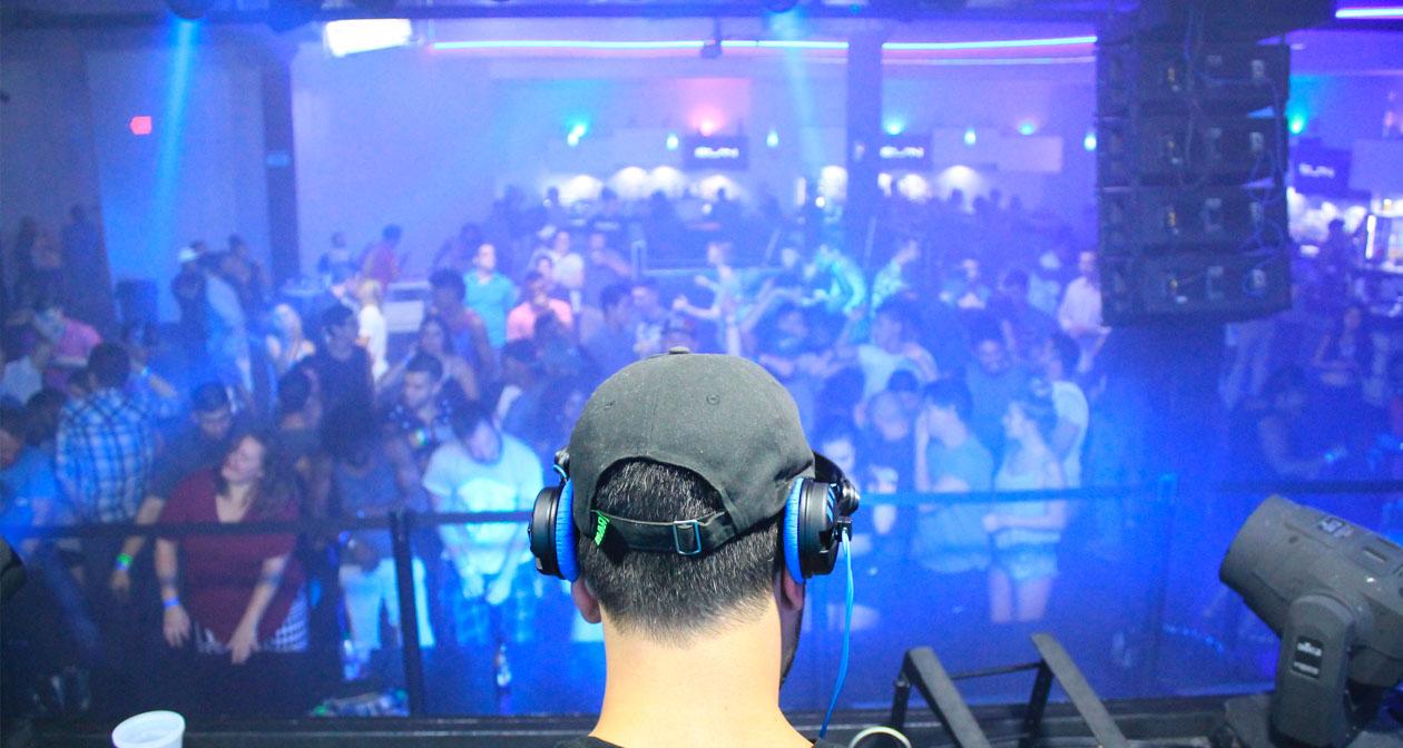 Inside look of Elan Nightclub with bottle service