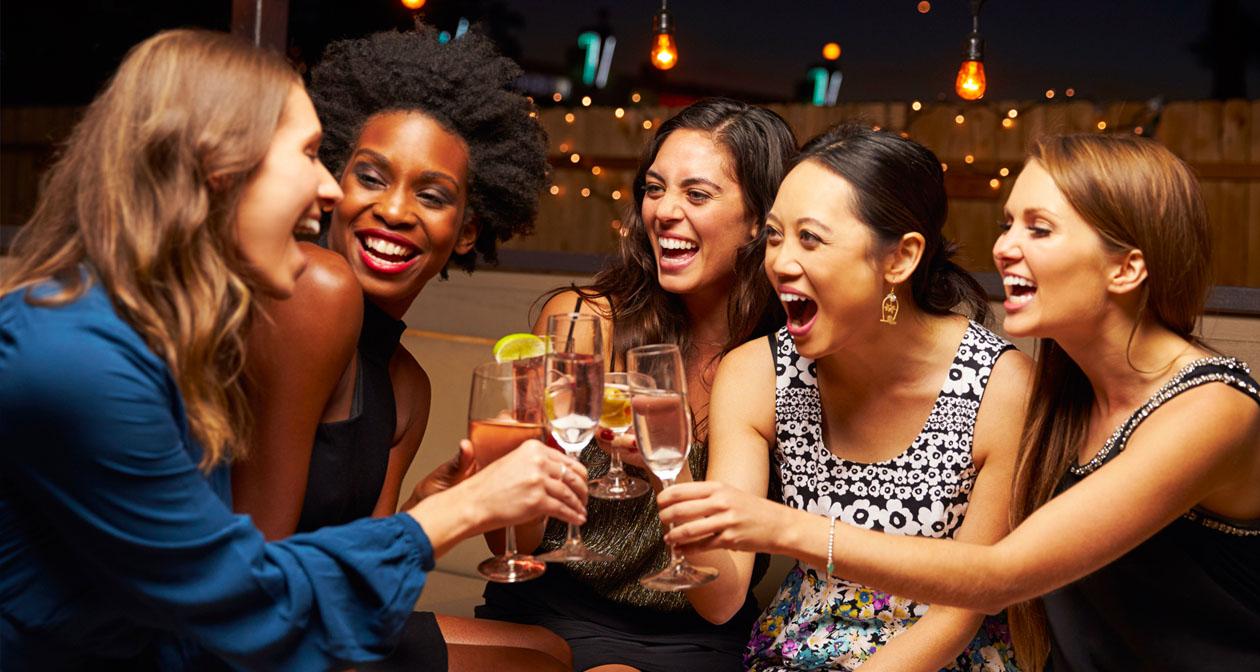 Inside look of Scottsdale Bar / Pub Crawls after getting free guest list