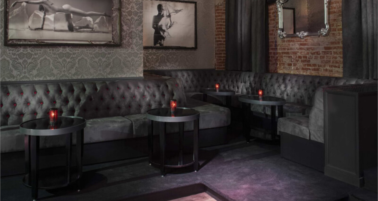 View of the interior of Dragonfly Hollywood after buying tickets