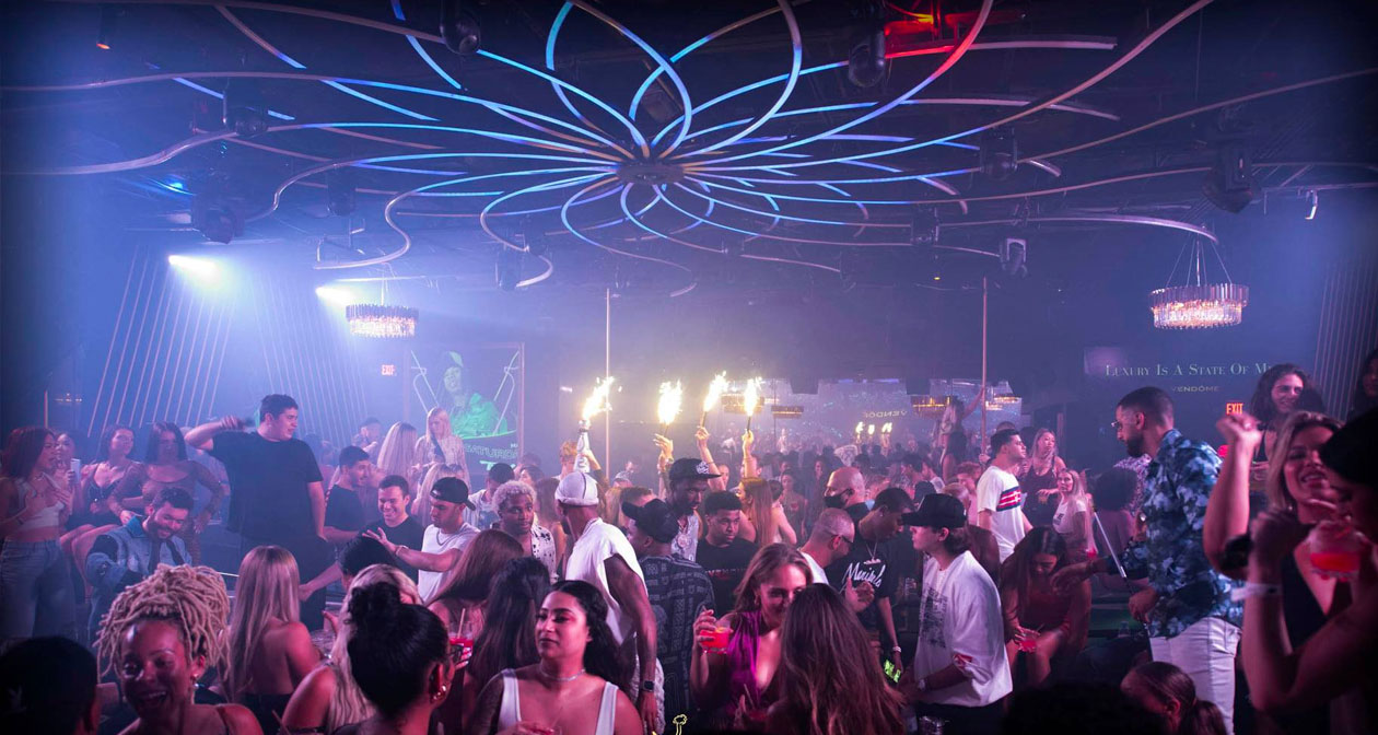 View of the interior of Vendôme Miami after getting free guest list