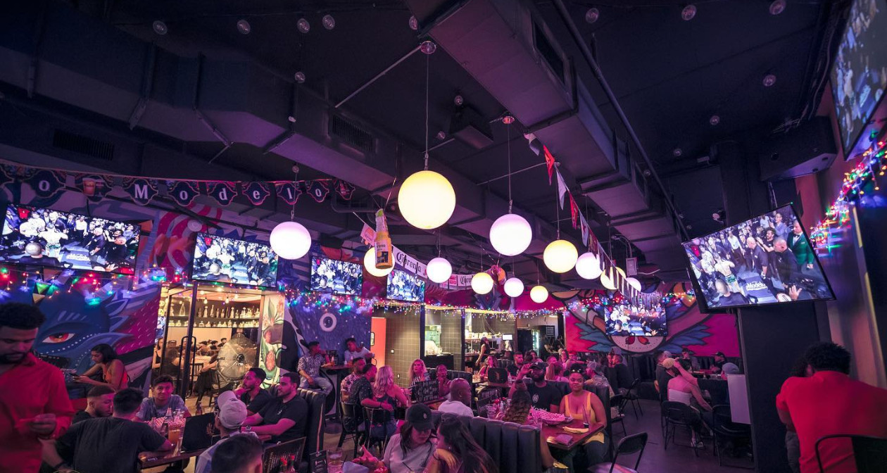 View of the interior of Golden Margarita after getting free guest list