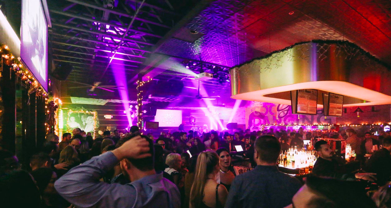 View of the interior of Green Light Social after getting free guest list