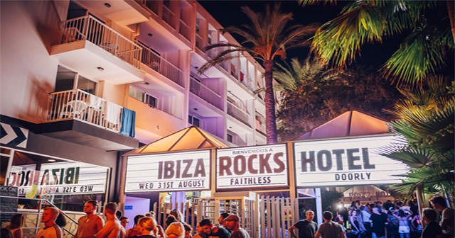 View of the interior of Ibiza Rocks after buying tickets