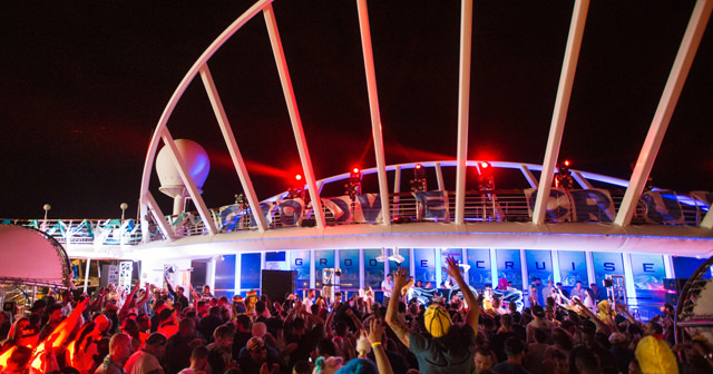 View of the interior of Groove Cruise after buying tickets
