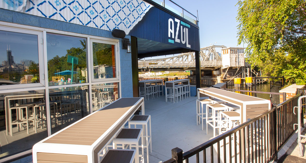 View of the interior of Azul Mariscos after buying tickets